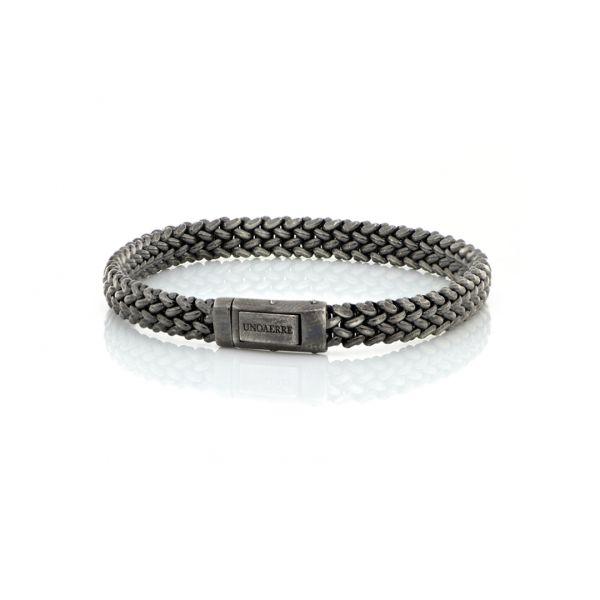 Neutral silver bracelets